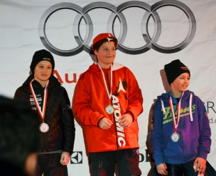 Lars Kälin links SlalomU12 Obersaxen